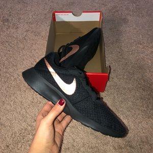 Nike Tanjun!